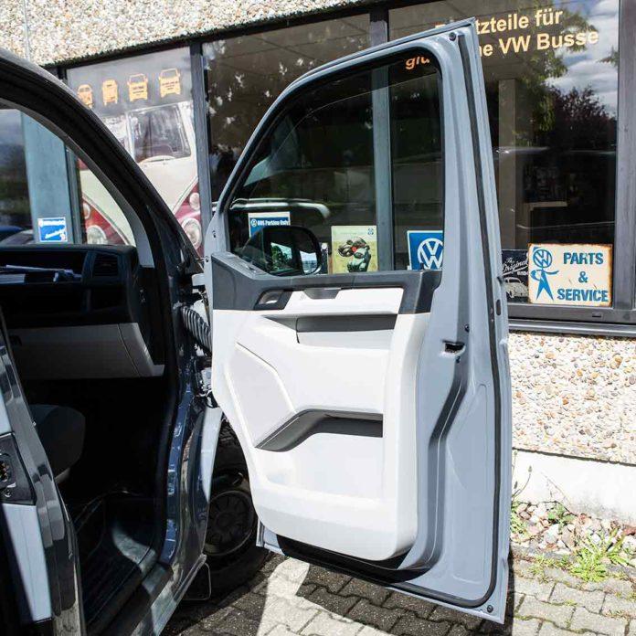 Verhindert Staub und Schmutz, die Zusatzdichtung für den VW Bus T5 und T6 passend.