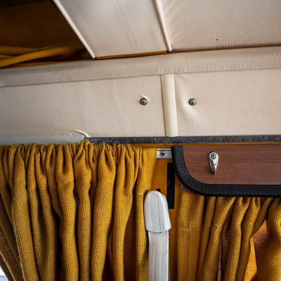 Folie im VW Bus T2 Westfalia