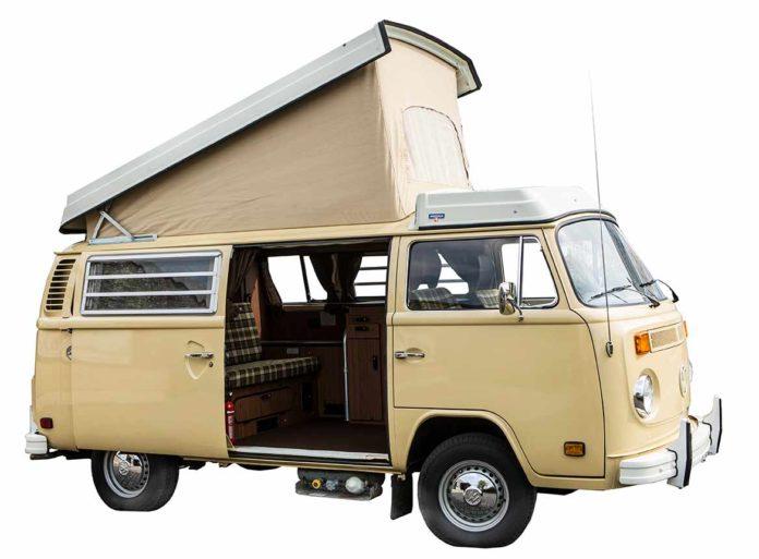 VW Bus Westfalia T2 Berlin - stand 30 Jahre in der Garage
