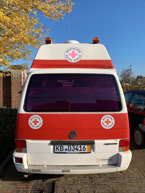 Kurzzeitkennzeichen aus Hessen sind dran, der Bus wird abgeholt.