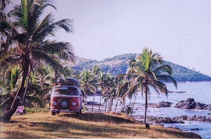 Mehr als 8000km Anfahrt zum Calangute Strand in Goa hat der VW Bus T2a schon geschafft.