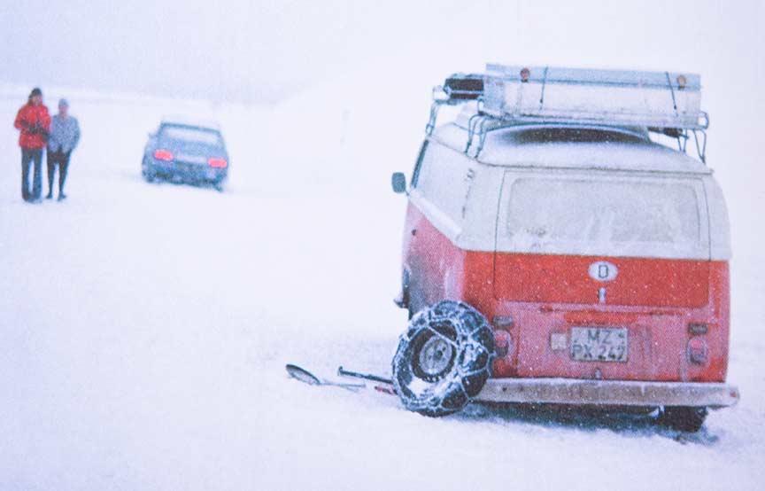 Bis der Wagenheber bricht: Rückreise im Schneegestöber in den Alpen