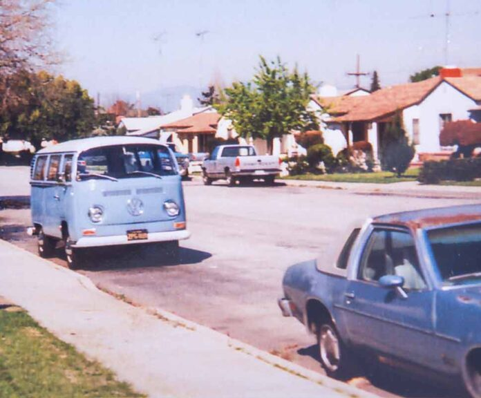 VW Bus T2 Double-Double in Kalifornien