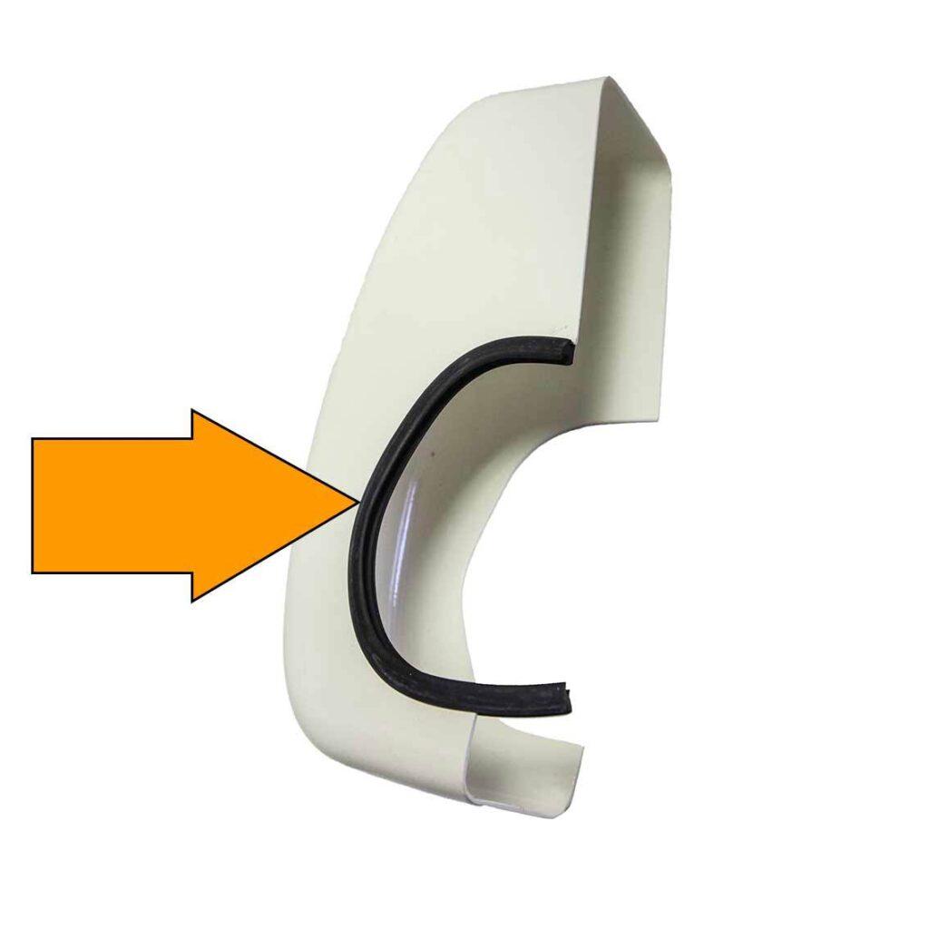 Besonders wichtig ist das Abdeckgummi zischen Stoßstange und Horn.