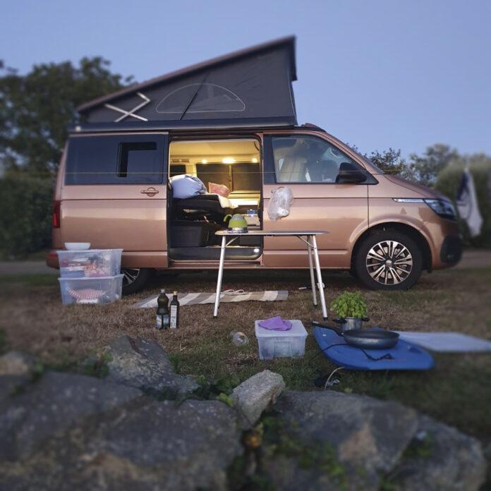 T6 Camper Goldfinger in der Bretagne